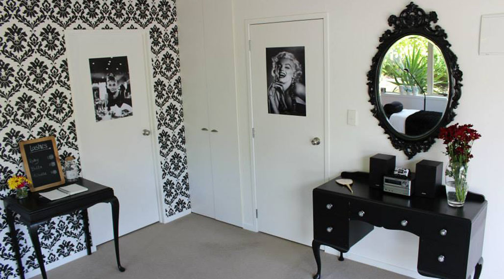 french-furniute-beauty-salon.jpg